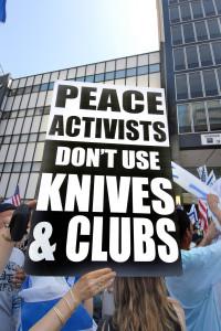 Pro-Israeli-Rally-6_6_10-076KnivesNClubs