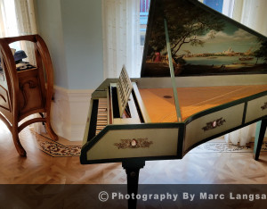 Club33_PianoSmall
